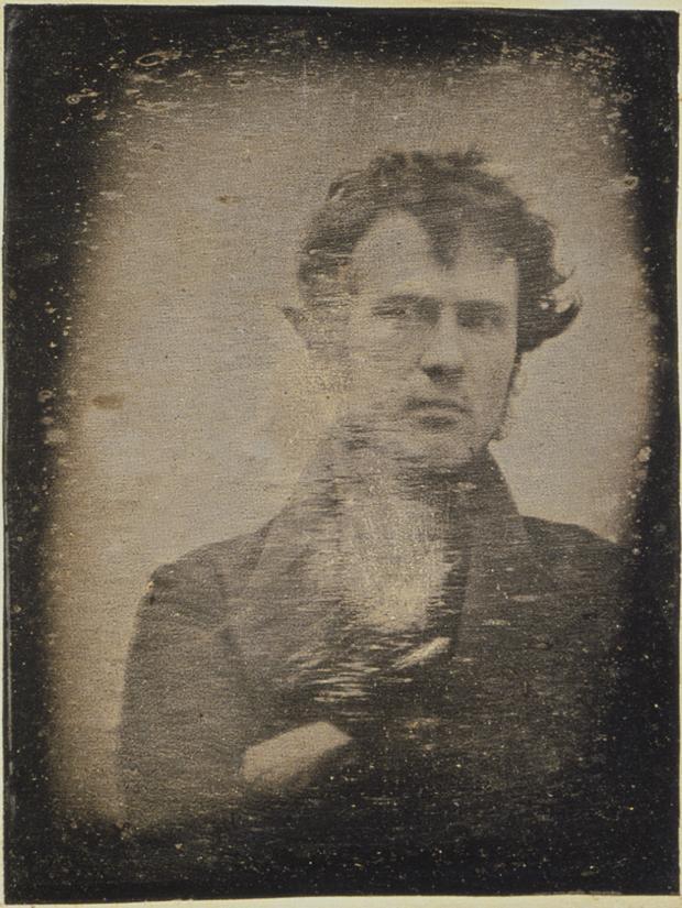Read more about the article Aucune trace : récits de l'inventeur inconnu dans la vulgarisation de la photographie, 1850-1870
